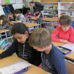 """El colegio Mendialdea participa en el programa educativo """"Leemos en pareja"""""""